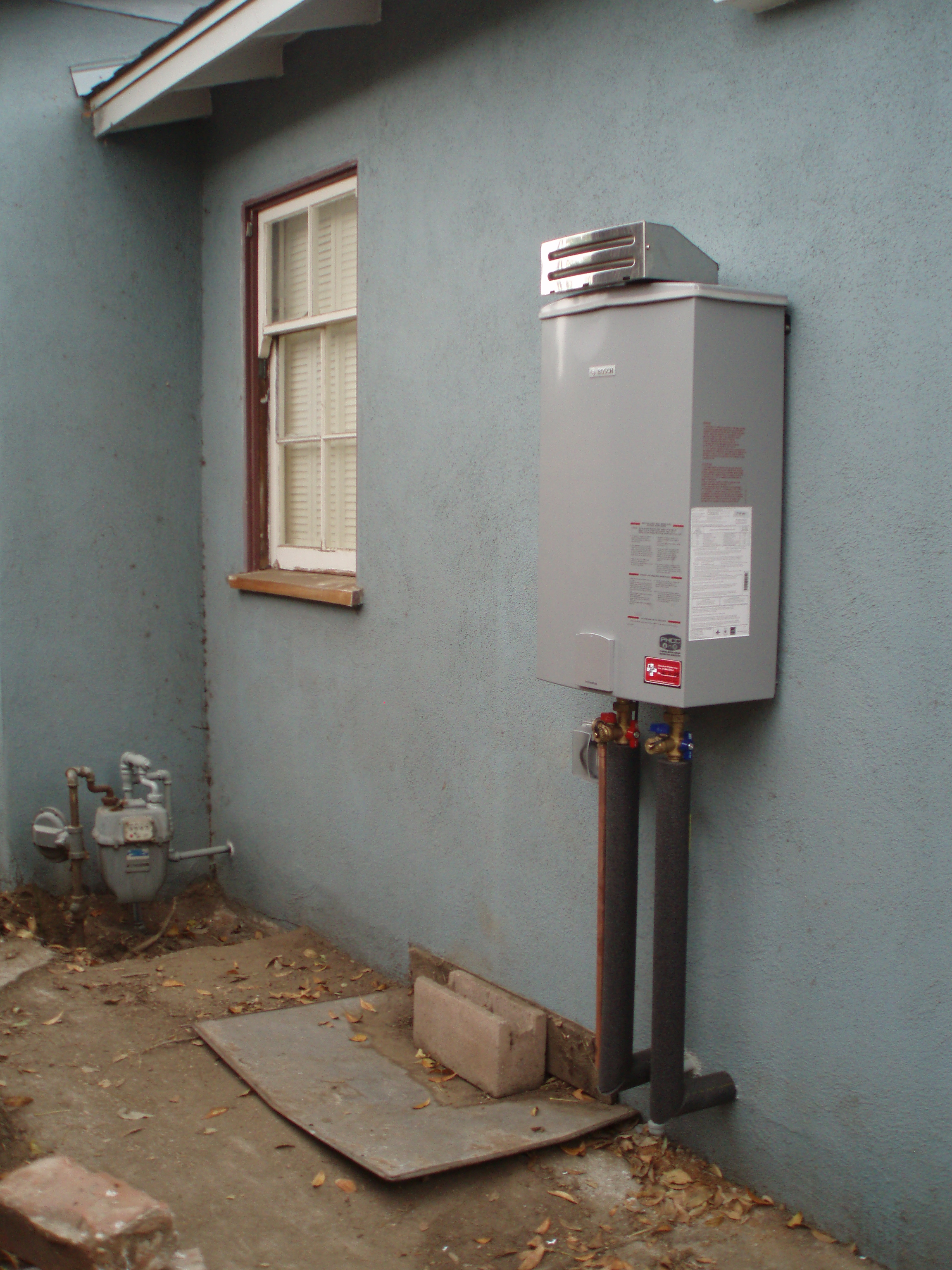 Pictures Of Different Tankless Water Heaters